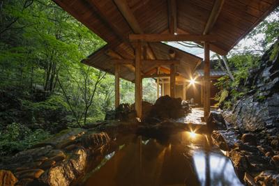 琴南「岩風呂」